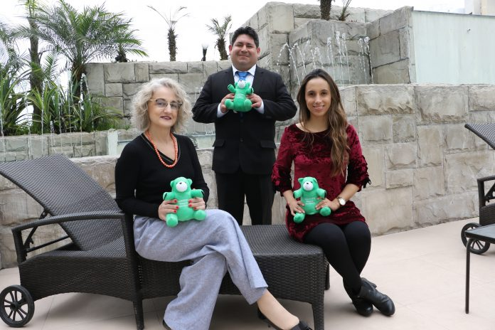 Ejecutivos de Kaspersky. Andrea Fernández, Flavio Camacho y Laura Franco.