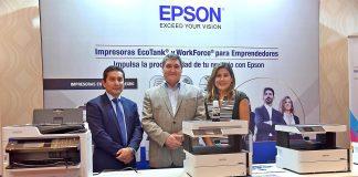 Danny Varillas, gerente de Impresoras de Negocios de Epson; Harold Dudgeon, gerente general de Epson Perú; y Roxana Alejos, gerente de Producto de Consumo de Epson.