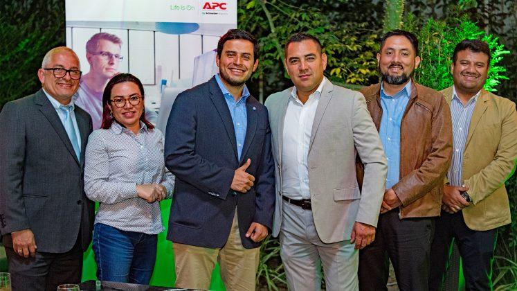"""""""Copa APC by Schneider Electric"""" premió a sus aliados de TI en Perú"""
