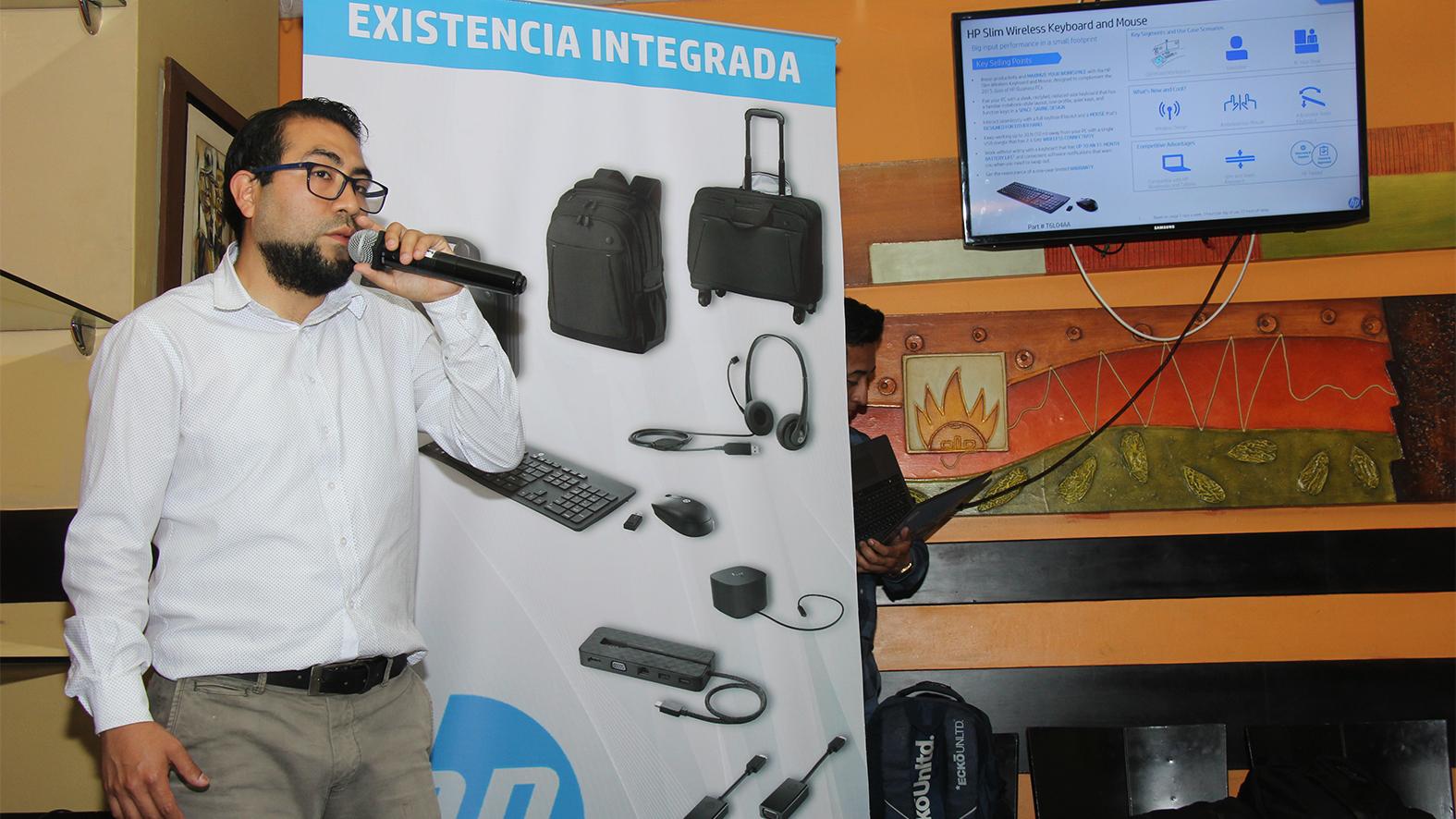 Noche de karaoke para el canal de HP y Compudiskett - Noticias de Tecnología ne Perú